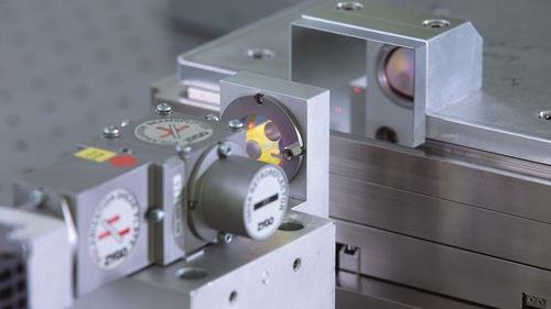 Vacuum compatible linear rotary stages uhv positioners