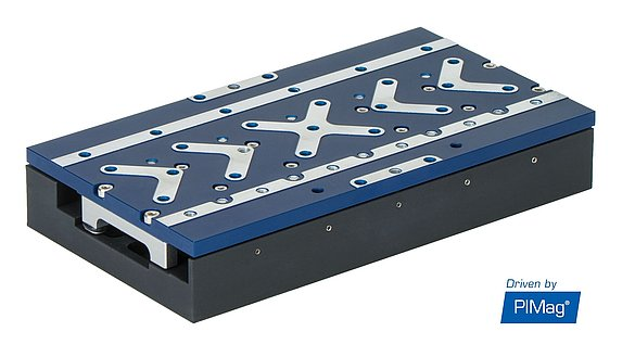 Flat linear stage of the V-508 series - here, with an ironless linear motor with Halbach array