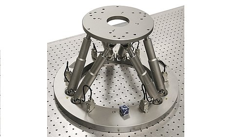 Hexapod for up to 30-kg load with large aperture at the base plate